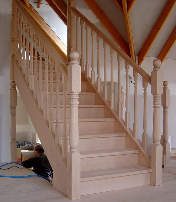 Sydney Bluegum / Traditional Stairs | Quality staircases